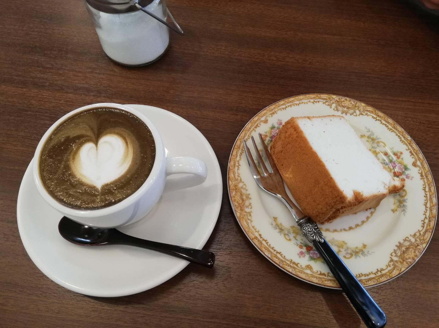 ノートカフェ エンゼルフードケーキ モーニング